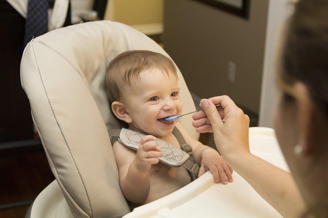 Brak apetytu u niemowlaka, moje dziecko nie chce jeść – Co robić?!