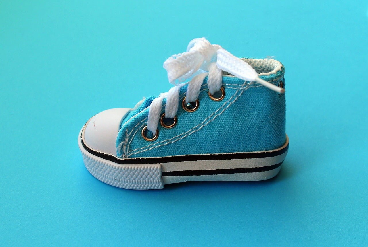 Kiedy kupić pierwsze buty dla dziecka