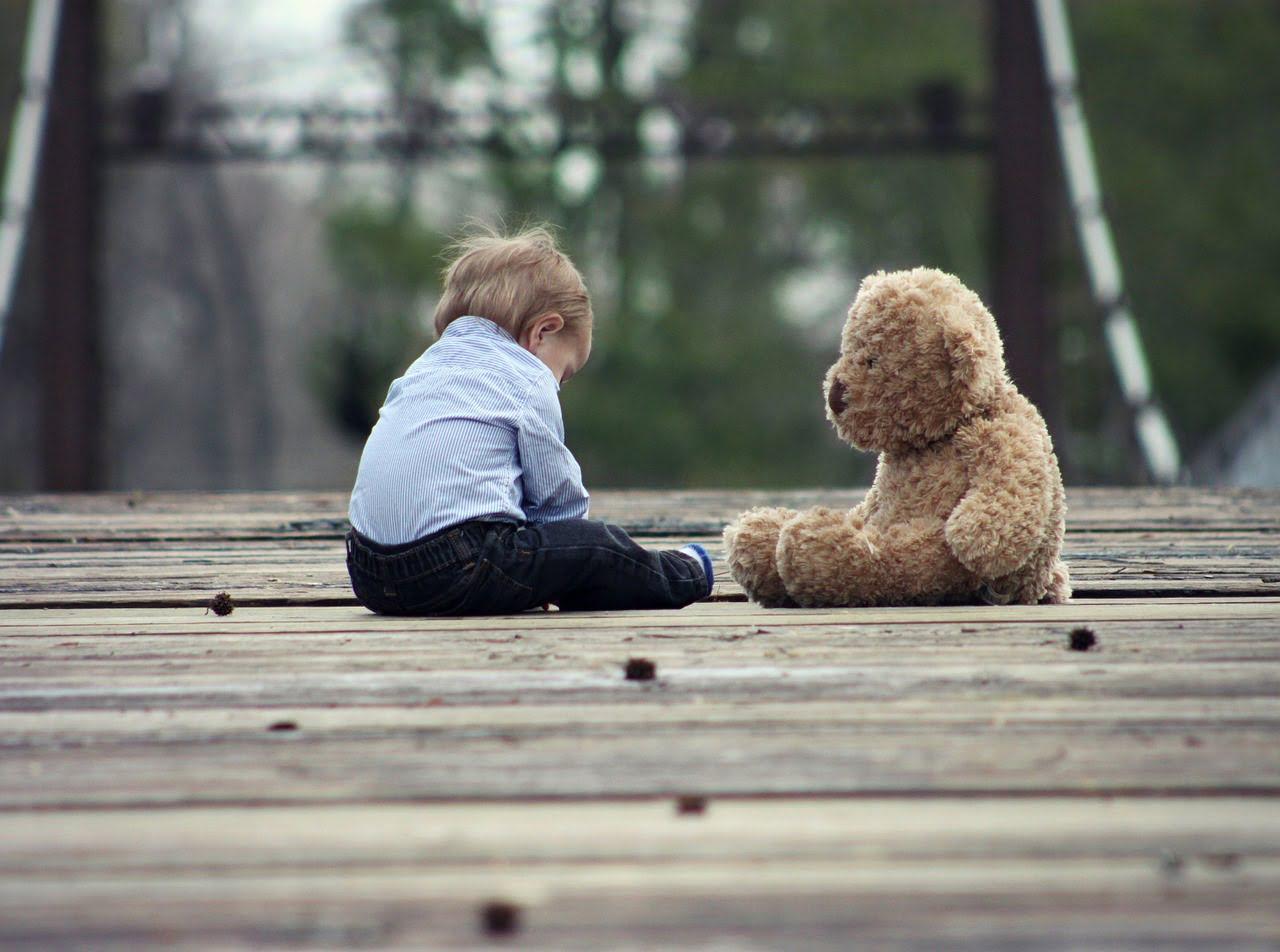 Zabawki edukacyjne dla niemowlaka – jakie wybrać?