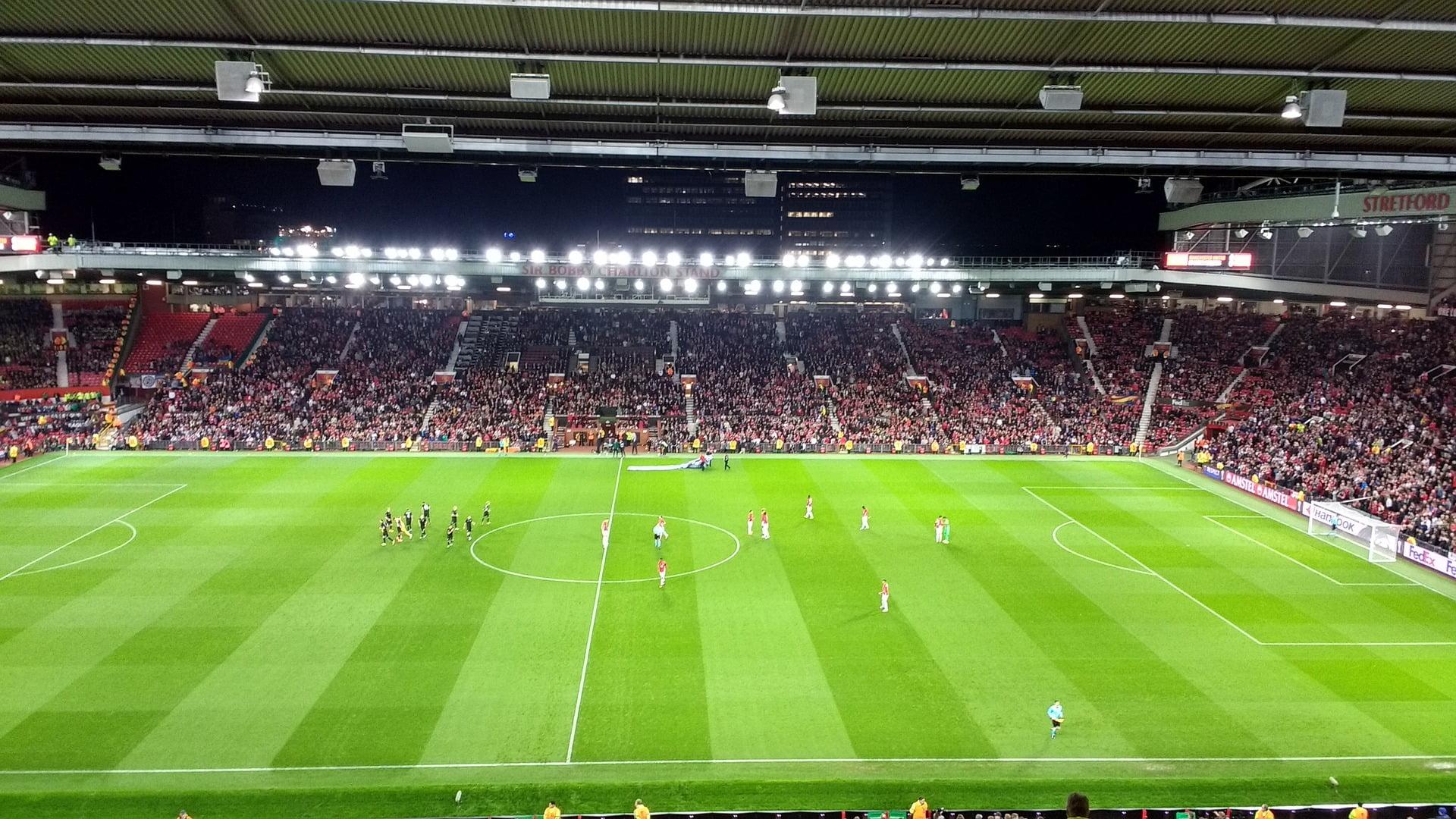 W co się zaopatrzyć idąc na mecz piłkarski, czyli przegląd gadżetów prawdziwego kibica